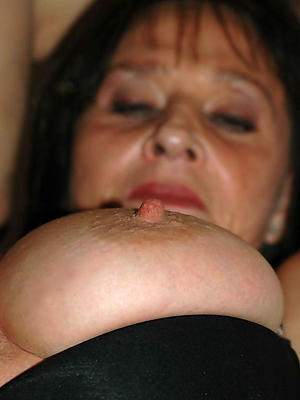 gorgeous mature women chunky nipples nude pics