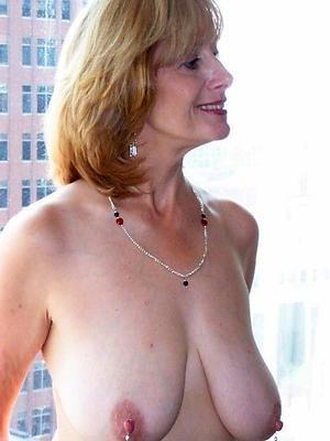 free pics of mature nipple porn