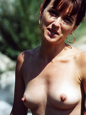 mature long nipples posing unshod