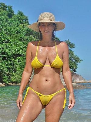 gorgeous mature extreme bikini porn pics