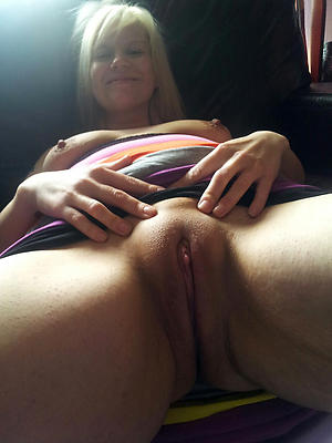 sexy shaved pussy mature