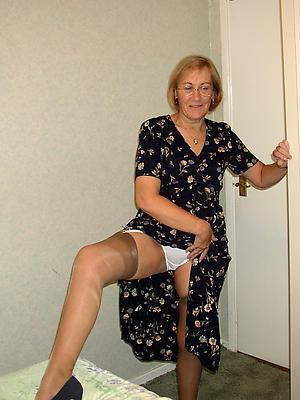 free pics of upskirt mature women