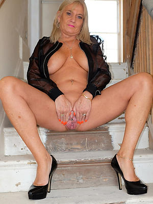 spectacular mature blonde mommy porn pictures