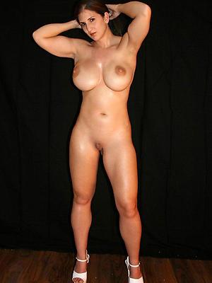 beautiful grown up amateur naked women