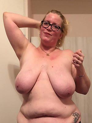 mature saggy mamma stripped