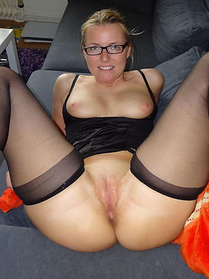 gorgeous matured women in glasses porn pictures
