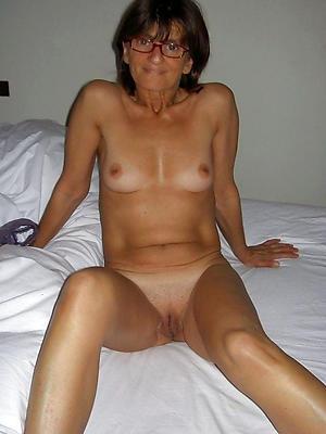 xxx free mature women in glasses porn pics