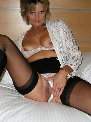 beauties mature pussy alongside panties homemade pics