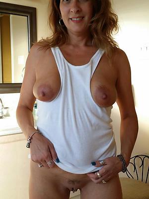 mature milfs over 40 posing nude