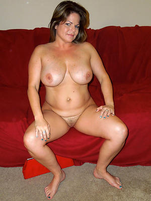 sexy unexcelled mature women stripped