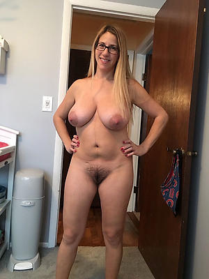 sexy hot naked mature column