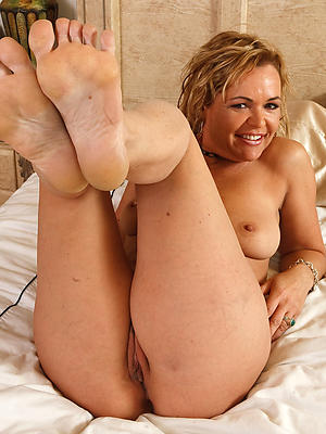 crazy mature legs and feet porn snapshot