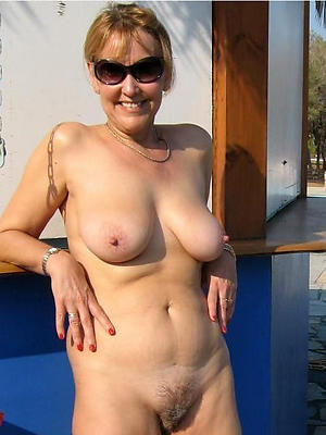 beautiful mature moms porno gallery