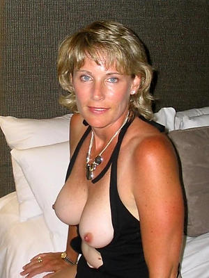 gorgeous mature moms porno pics