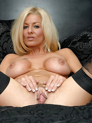 nude mature photographic model denuded
