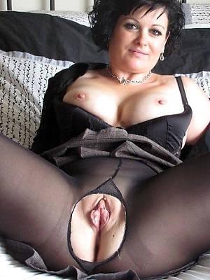 free pics of mature wife pantyhose
