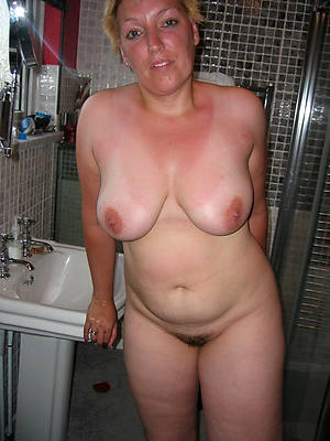 mature amateur babes stripped