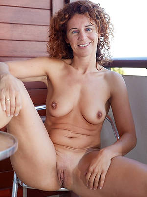hotties mature shaved pussies porn pics