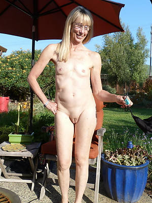 skinny mature slut pics