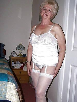 mature women over 60 posing nude