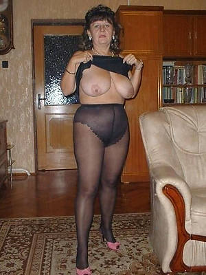 gorgeous matures in pantyhose unclad pictures