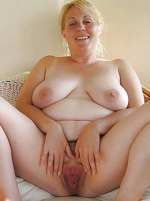 free pics of nude grown up wemon