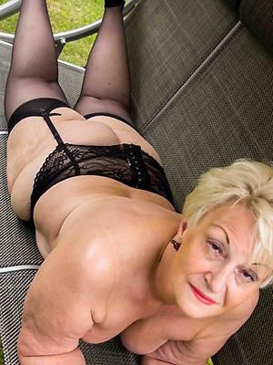 fantastic matured ladies in stockings