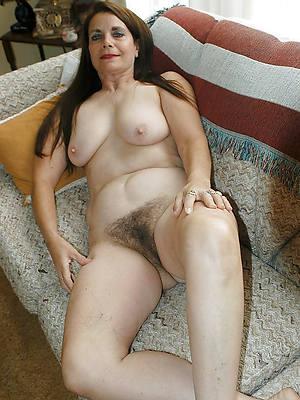 mature brunette pussy pics