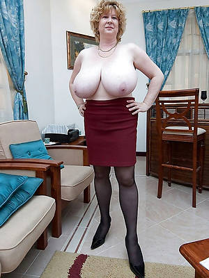 free pics of matures close by nylons