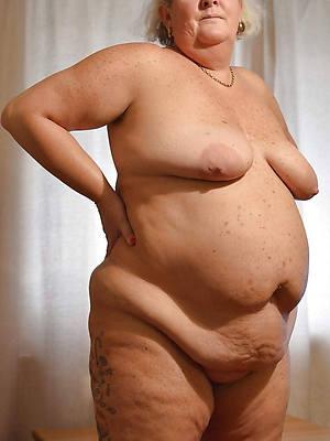 mature women old posing nude