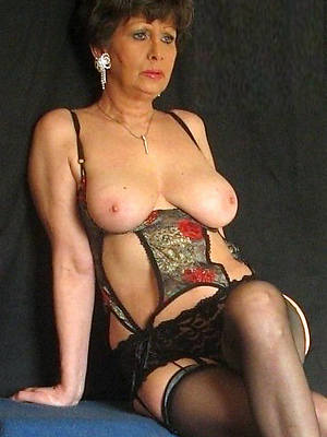 xxx mature superannuated ladies unveil pics