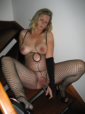 gorgeous mature girlfriend pics