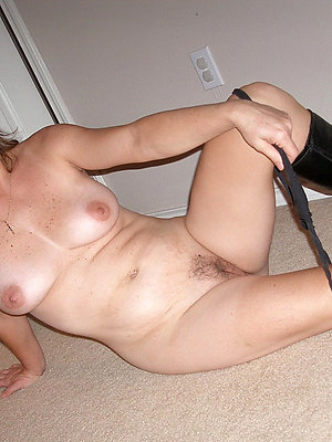 wonderful mature go steady with porn pics