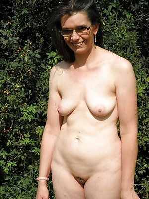 spectacular mature blonde with glasses