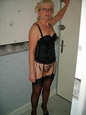 sexy granny masterbating pics