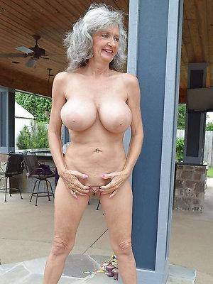 black granny xxx posing nude