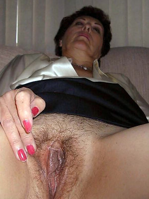 crazy mature hairy cunt pics
