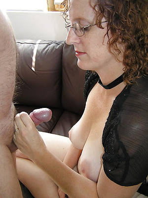 hotties mature wife handjob pics
