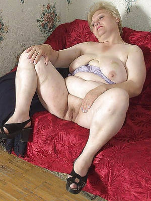 gorgeous mature granny tits nude pictures