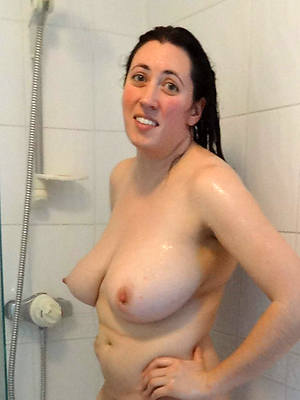 mature in the shower free porn