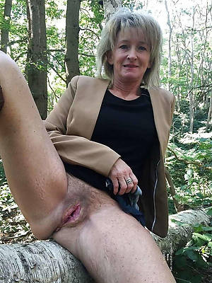 perfect mature 60 nude pics