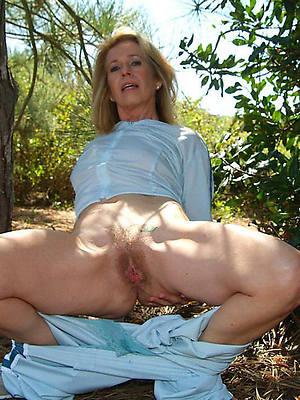 hotties mature 40 plus nude pics