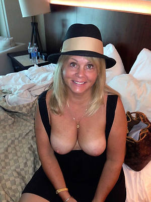 well done mature exgirlfriend nude pictures