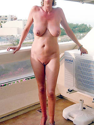 slutty women with sexy legs