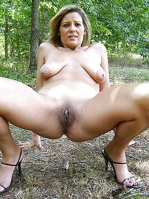 nude women not on hallow porn