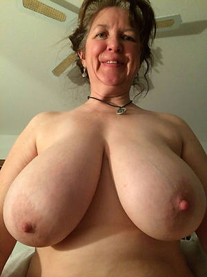 mature self shots nude pictures