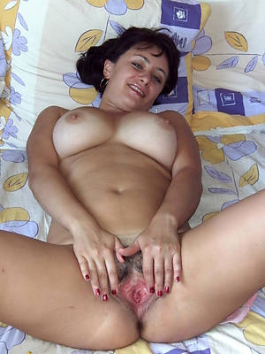 amateur grown up pussy stripped