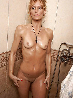 xxx free mature women small tits nude pictures