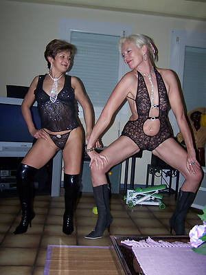 slutty grown up milf lesbians nude photos