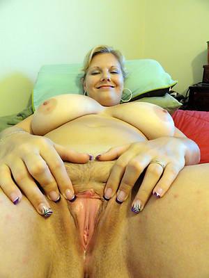 beautiful mature single women porn pics